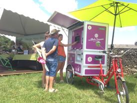 Un photobooth tricycle fleury michon