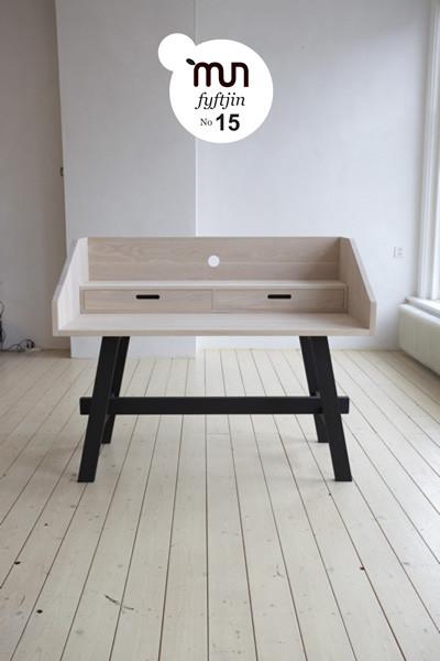wooden desk_slow wood