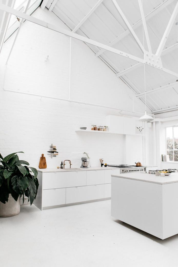White — Industrial Loft in London