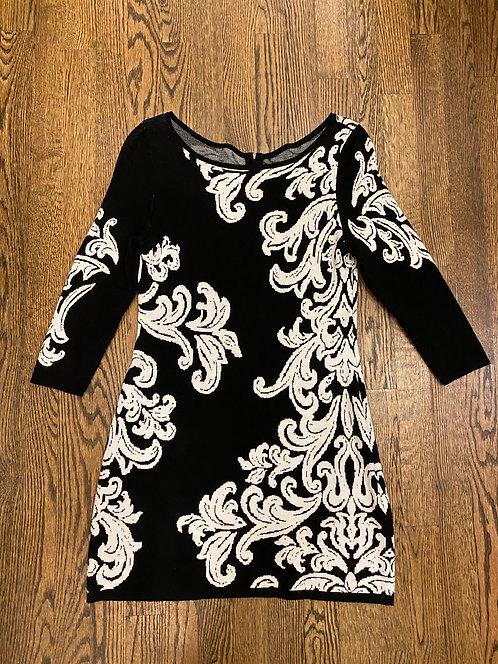 Soft knit black & white flower print  stretch dress 8P
