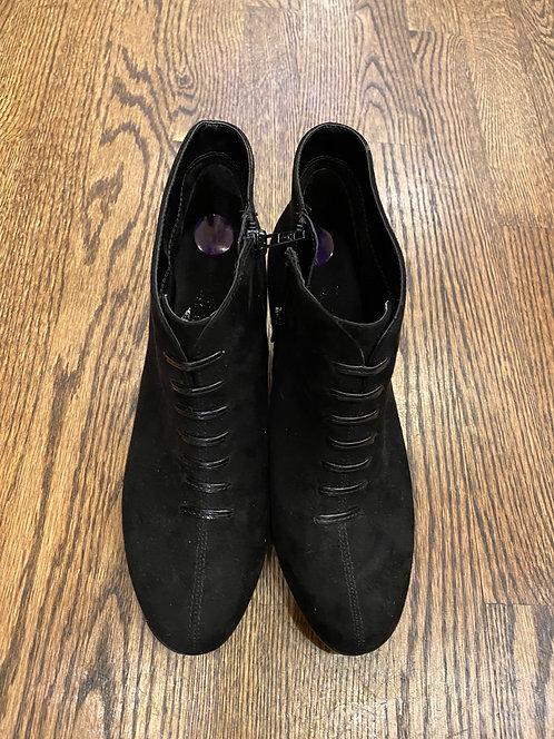 Aerosoles black suede booties 8.5