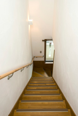 402 階段