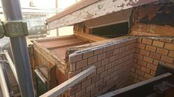 屋根と壁解体後の被害状況1