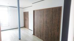改修後の居室と大型収納