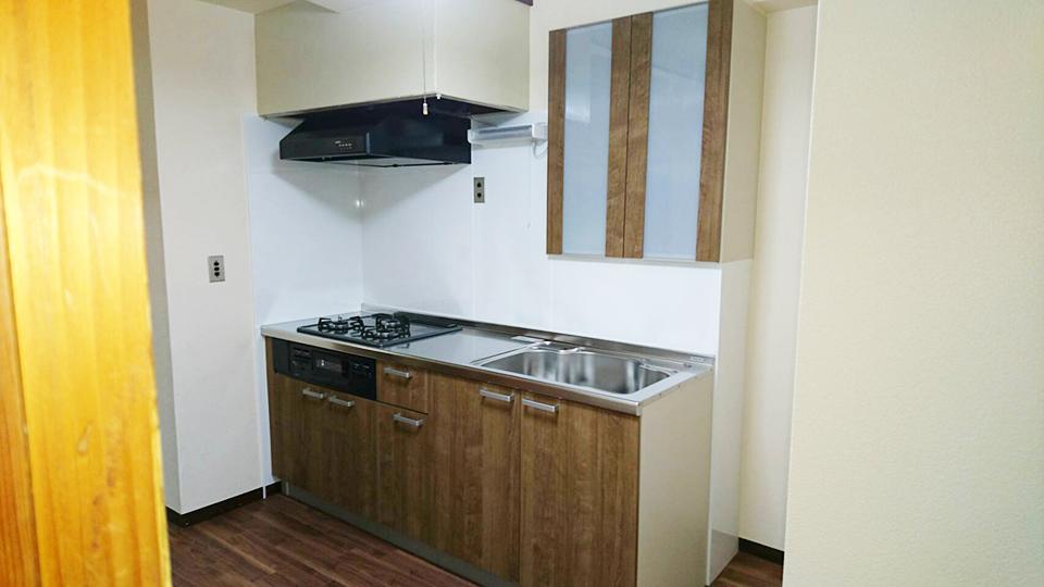 価格を抑えたキッチンリノベーション