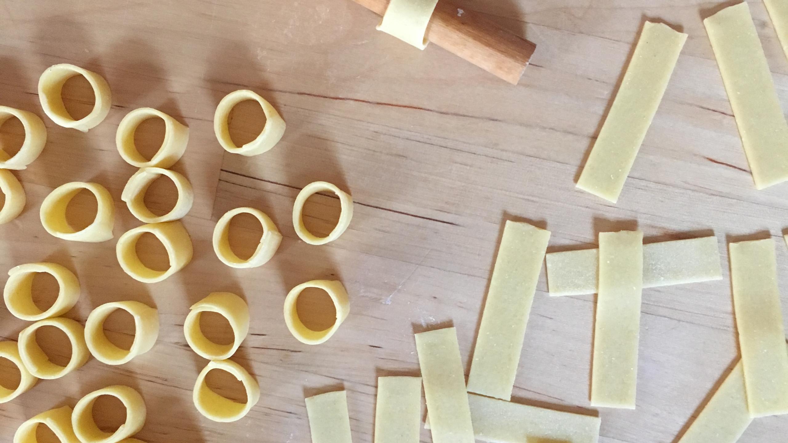 Making ditalini, 100 days of pasta