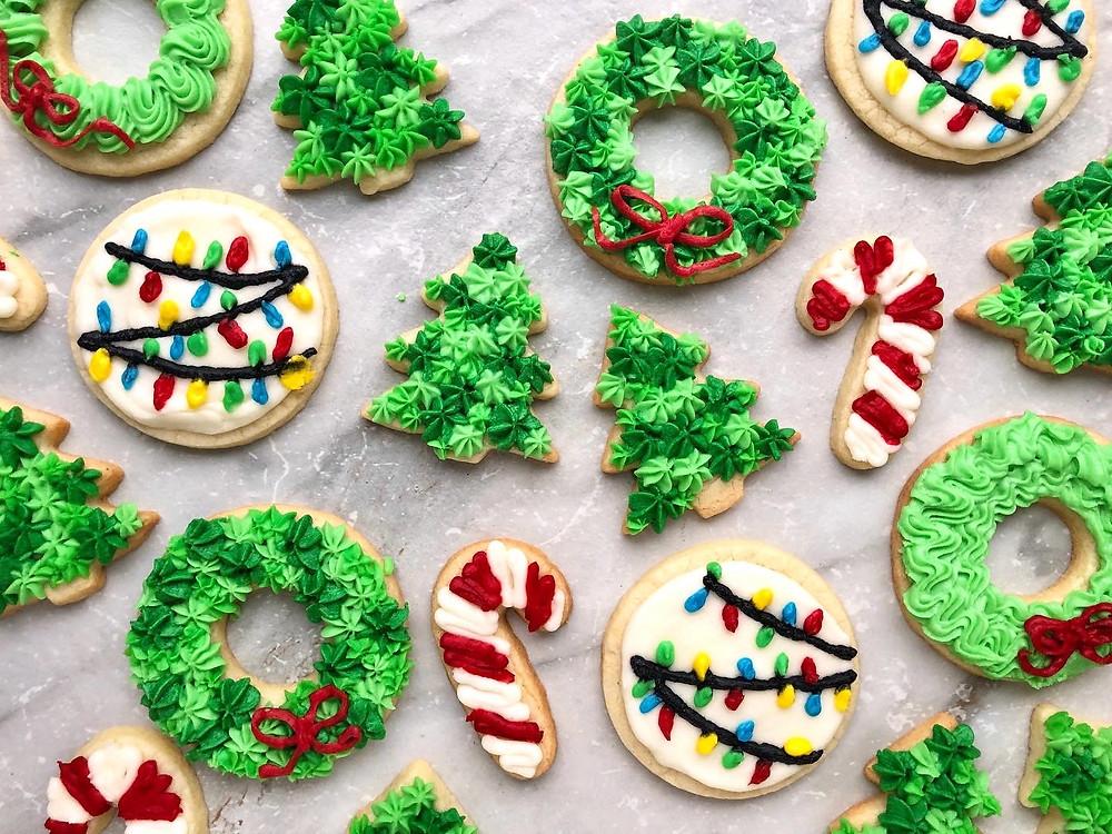 Iced Sugar Cookies - #25daysofholidaycookies