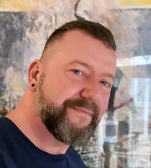 Headshot Mikkel H.png