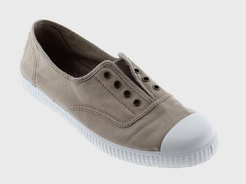 Victoria Inglesa Shoe in Beige 106623