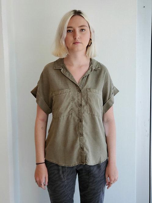 Bella Dahl Slouchy Short Sleeve Button Down in Kalamata - B4847-654-303