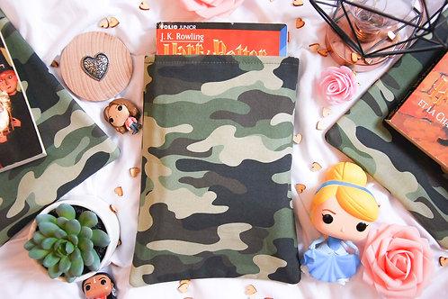 Military - Format poche
