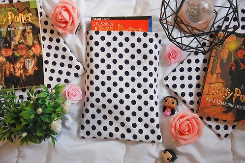 Coccinelle blanche et noire - Format poche
