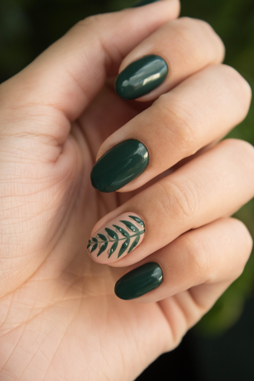 Motif nail art