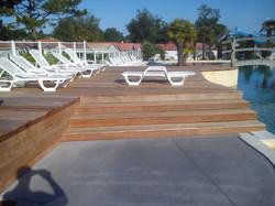 menuisier-notredamedemonts-terrasse-piscine-web.jpg