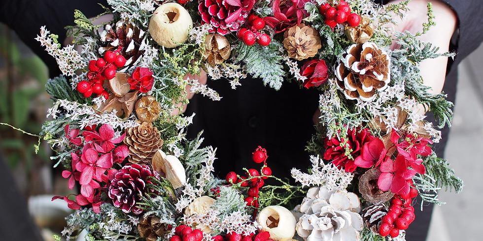 クリスマス プリザーブドリースレッスン 11/27(土)午後の部 ≪実物いっぱいの赤いリース・プリザーブド≫ (1)