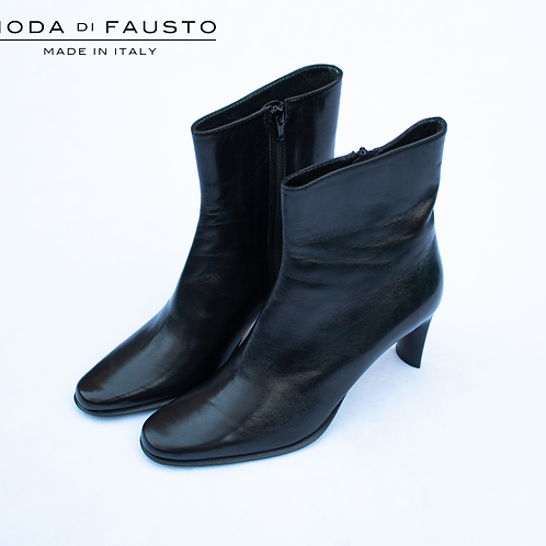 Shoes by Moda do Fausto / Size 37.5