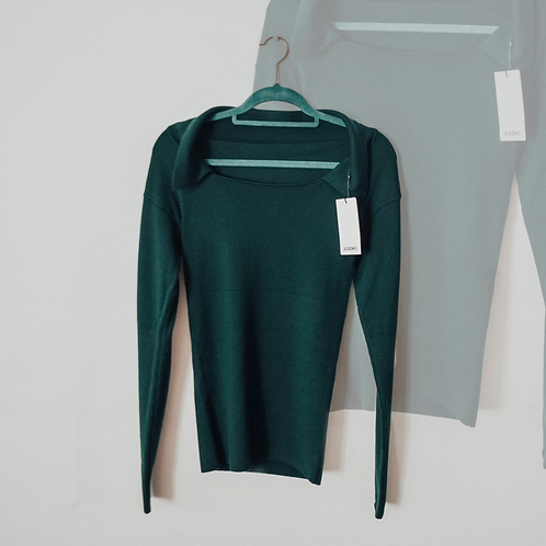Jacquemus Collared Square Neck Knitted Top in Dark Green