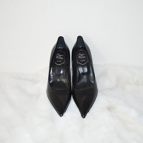 Roger Vivier Black Leather Structured Pointy Heels - Size 36