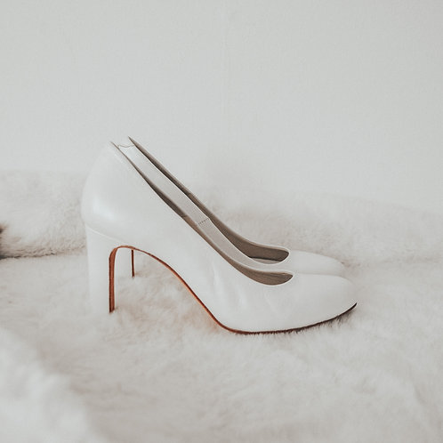 Virginia's Street White Pumps - Size EU 35