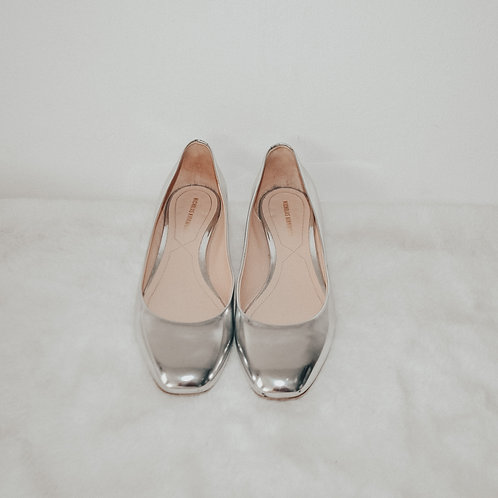 Nicholas Kirkwood Silver Leather Pumps with Pearl Heel Decor - Size 36.5