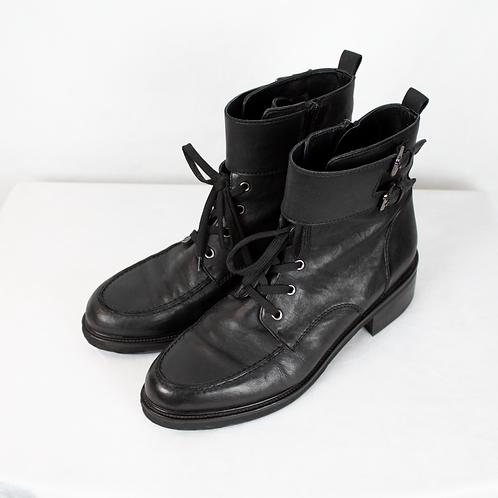 Carolina Unisex Boots / Size 43