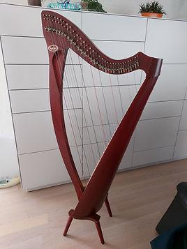 Harfe Doulakas.jpg
