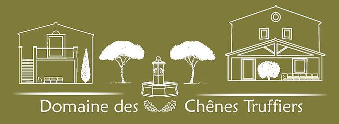 Domaine des Chênes Truffiers, une maison de vacances familiale sur 7.5 hectares, au calme, en pleine nature, situé entre Arles, Nimes et Avignon, avec 2 piscines privées vous propose 21 couchages pour passer vos vacances ou un weekend entre famille ou amis