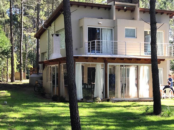 Moderna casa a 6 cuadras del mar!
