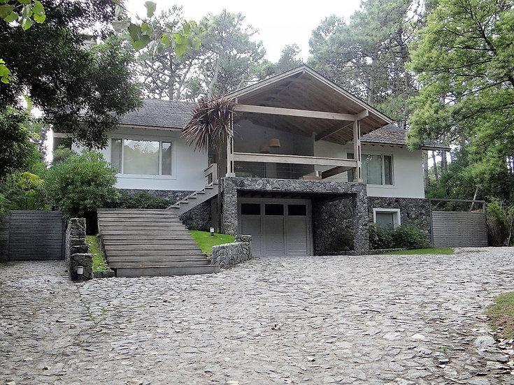 Gran casa, excelente ubicaciónb