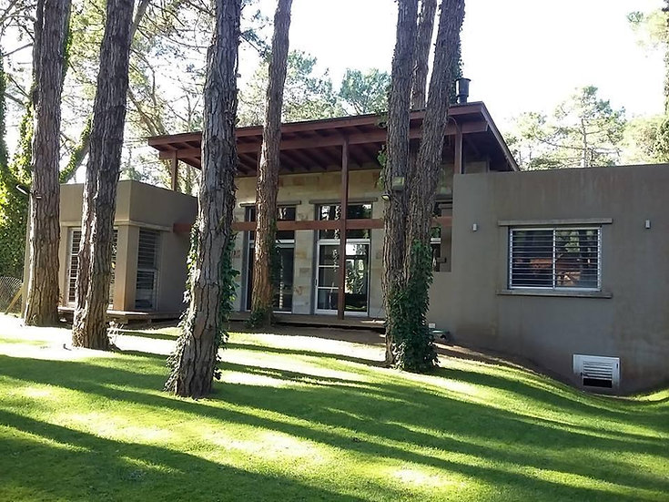 Moderna propiedad en Cariló