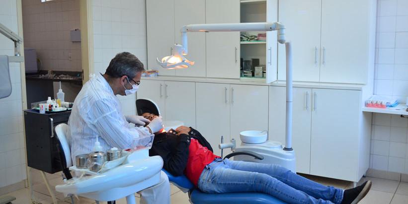 Saúde bucal: Dentistas destacam a necessidade de acompanhamento regular e da escovação adequada