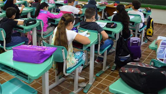 Prefeitura e Sismar buscam acordo no trabalho remoto dos professores; aulas continuam das escolas