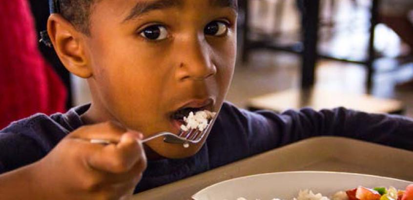 Alimentação é mais que ingestão de nutrientes