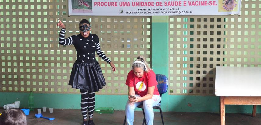 Saúde usa teatro para conscientizar jovens para os perigos da dengue