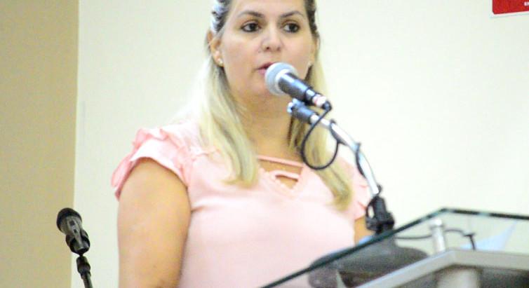 Danielle anuncia conquista de emendas para a Saúde