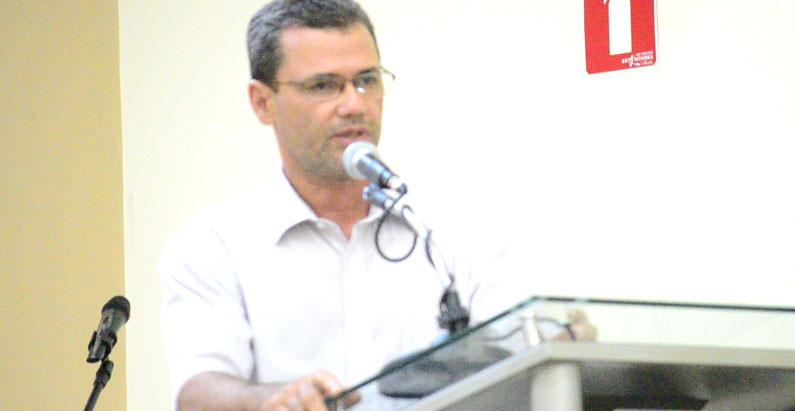 Betão cobra esforços da Prefeitura para a regularização de prédios e espaços públicos