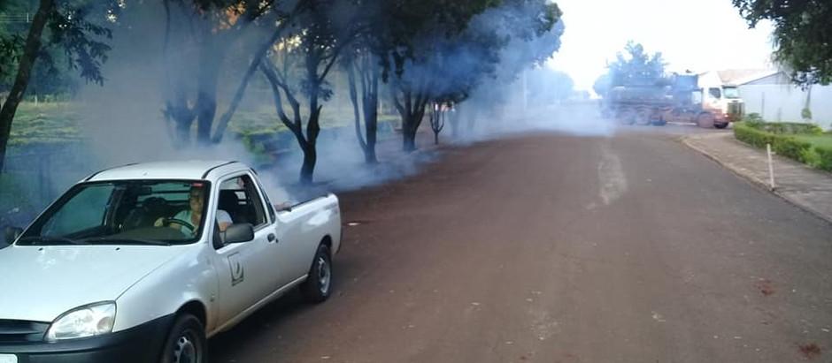 """Prefeitura recorre ao """"fumacê"""" contra o mosquito da dengue"""
