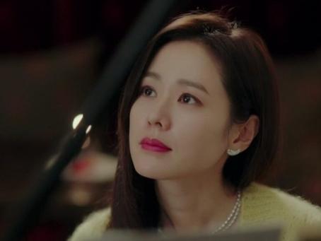 Korean Style Earrings in CRASH LANDING ON YOU.