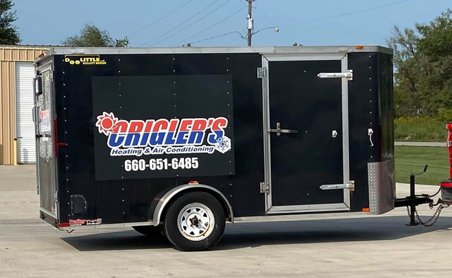Cargo trailer vinyl lettering and graphics