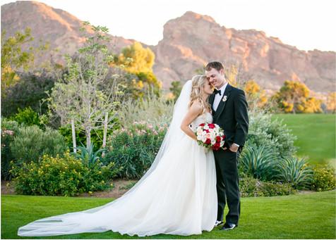 wedding photos paradise valley country club, scottsdale, arizona, wedding locations, country club weddings, bride and groom, jennifer bowen photographer, camelback mountain