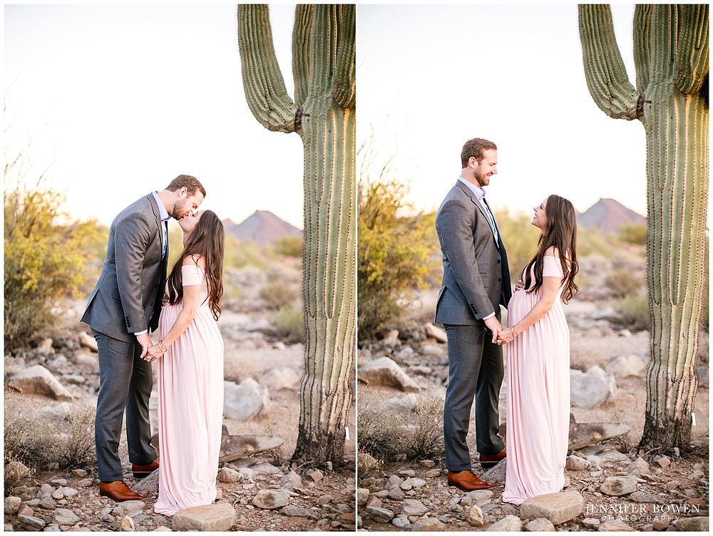 Desert maternity session in Scottsdale | Jennifer Bowen Photography
