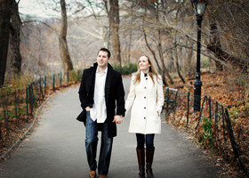 015_nyc_engagement_session_travel_photog