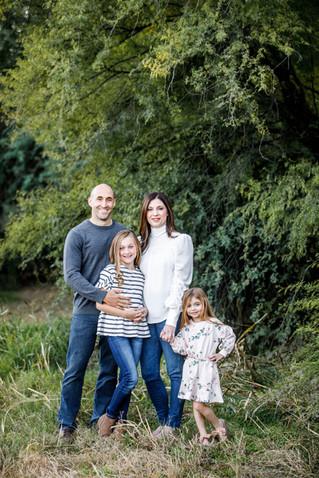 18_BLOG_singer_family_portraits_field_gr