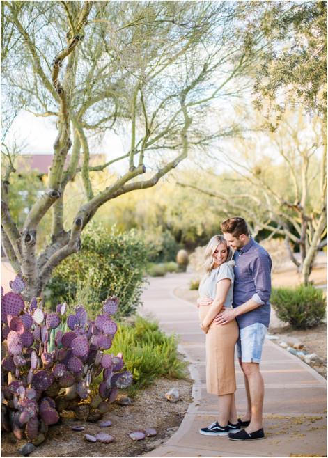 Cute Maternity Photos in Scottsdale, Arizona