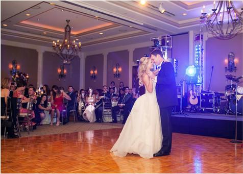 wedding photos, paradise valley country club, scottsdale, arizona, wedding locations, country club weddings, bride and groom, jennifer bowen photographer, first dance, ballroom