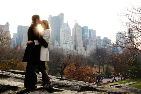 017_nyc_engagement_session_travel_photog
