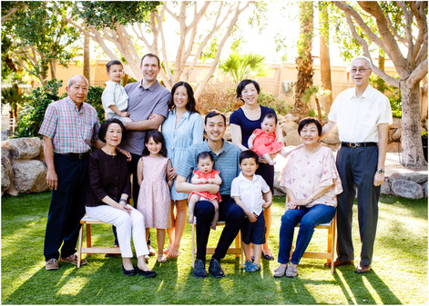 Three Generations: Large group family portrait in Scottsdale AZ
