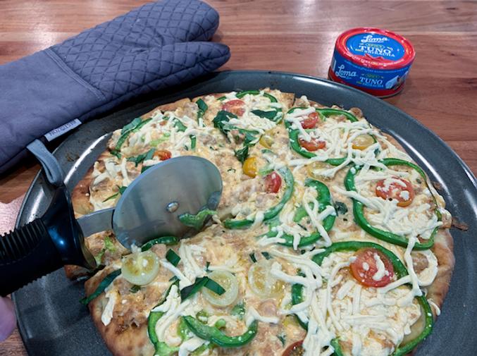 Sriracha-TUNO-Pizza-FB-Live.png
