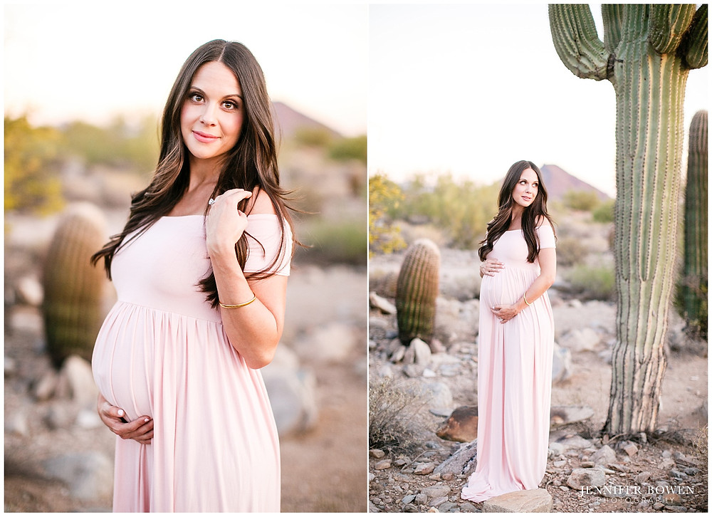 Pretty maternity session in the Arizona desert