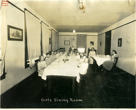 Girls dining room.png